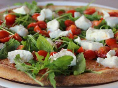pizza-con-pomodorini-e-mozzarella