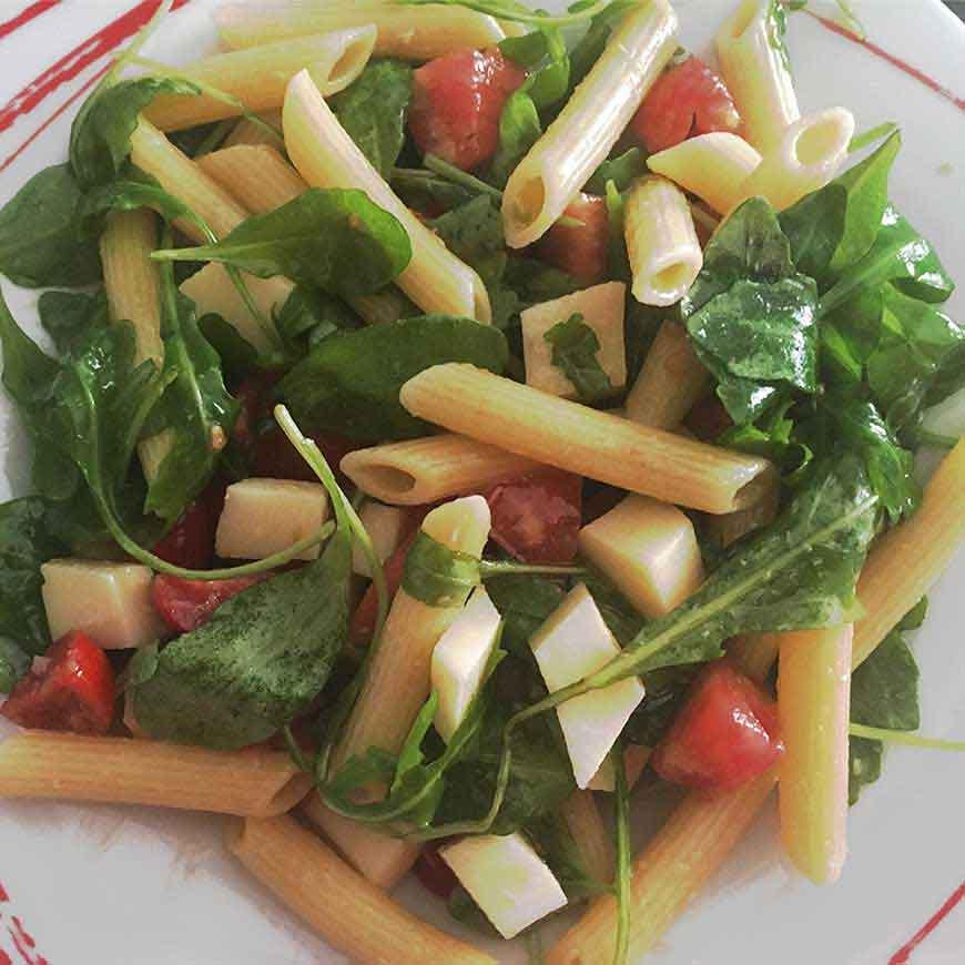 Pasta-con-scamorza-rucola-e-pomodorini