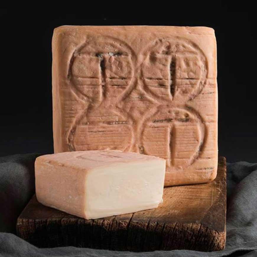 formaggio taleggio dop bergamo